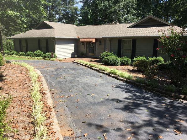 4 bed 3 bath Single Family at 706 Lakewinds Blvd Inman, SC, 29349 is for sale at 445k - 1 of 20