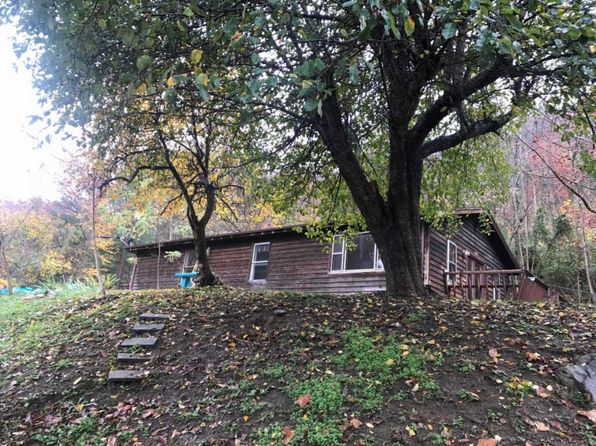 2 bed 1 bath Single Family at 43 Boone Ledge Dr Hazard, KY, 41701 is for sale at 80k - 1 of 7