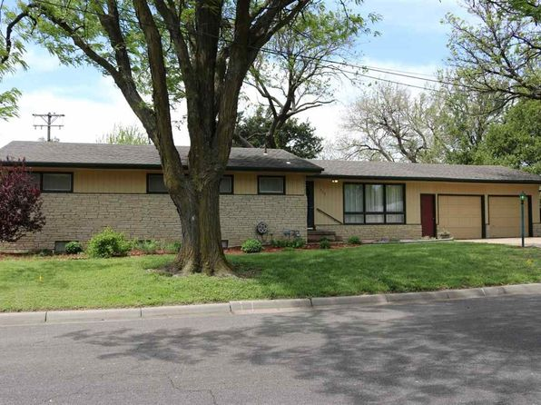 3 bed 3 bath Single Family at 825 Glendale Ave Newton, KS, 67114 is for sale at 130k - 1 of 35