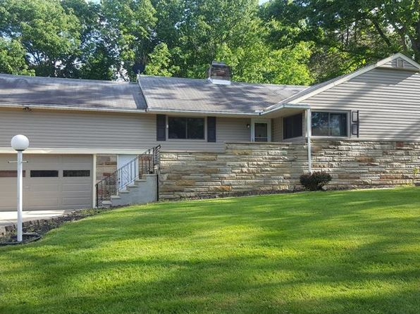3 bed 1 bath Single Family at 17684 S Meadowpark Dr Bedford, OH, 44146 is for sale at 169k - 1 of 13