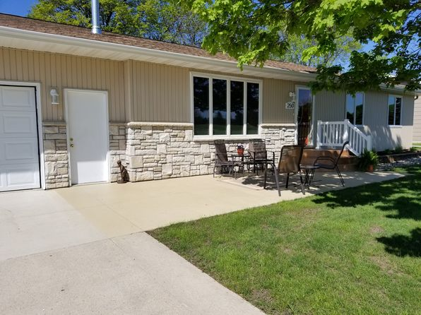 3 bed 2 bath Single Family at 250 Country Club Dr Garner, IA, 50438 is for sale at 205k - 1 of 9