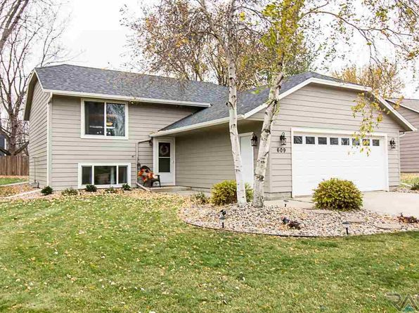 4 bed 2 bath Single Family at 609 N Yellowstone Dr Brandon, SD, 57005 is for sale at 209k - 1 of 21