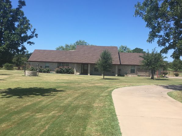 3 bed 2 bath Single Family at 1811 Nutt Grove Ct Granbury, TX, 76049 is for sale at 296k - 1 of 27