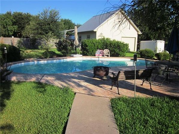 3 bed 2 bath Single Family at 212 Arikara St Buda, TX, 78610 is for sale at 286k - 1 of 4