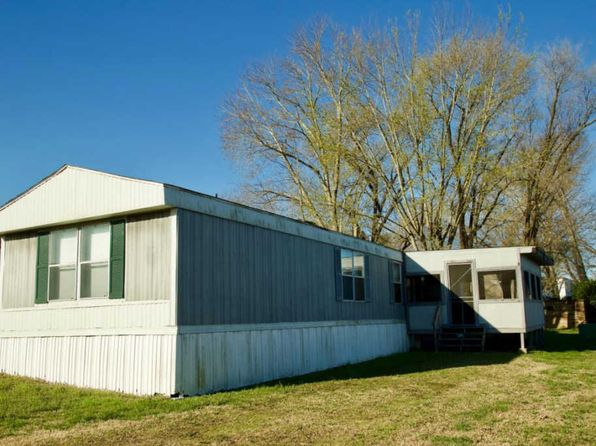 2 bed 2 bath Mobile / Manufactured at 139 Jackson St Forsyth, MO, 65653 is for sale at 20k - 1 of 22