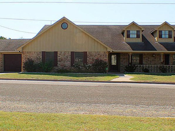 4 bed 4 bath Single Family at 526 Acorn St Giddings, TX, 78942 is for sale at 336k - 1 of 27