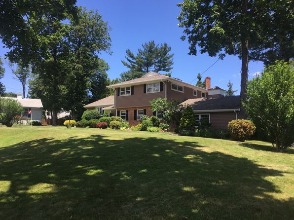 4 bed 3 bath Single Family at 116 Beechwood Ln Fairfield, CT, 06825 is for sale at 710k - 1 of 39