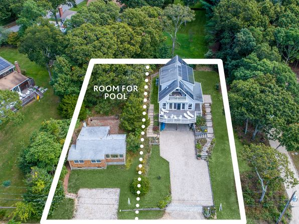 6 bed 4 bath Single Family at 22 And 24 Babes Ln East Hampton, NY, 11937 is for sale at 2.26m - 1 of 25