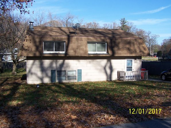 4 bed 2 bath Single Family at 8038 W 127th Ave Cedar Lake, IN, 46303 is for sale at 116k - 1 of 2
