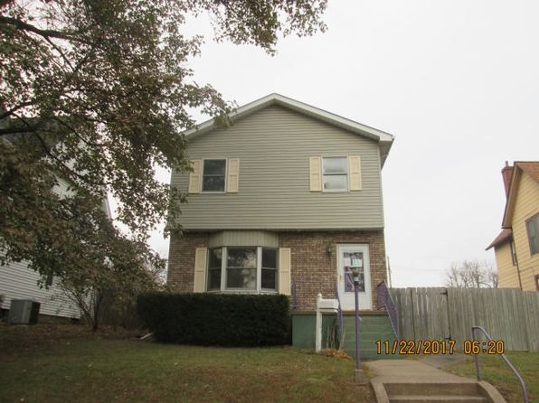 3 bed 4 bath Single Family at 710 12th Ave S Clinton, IA, 52732 is for sale at 66k - 1 of 6