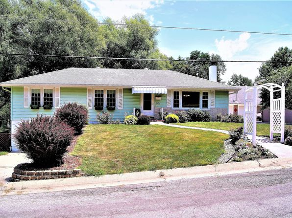 3 bed 2 bath Single Family at 2105 Chambers Ave Saint Joseph, MO, 64506 is for sale at 160k - 1 of 29