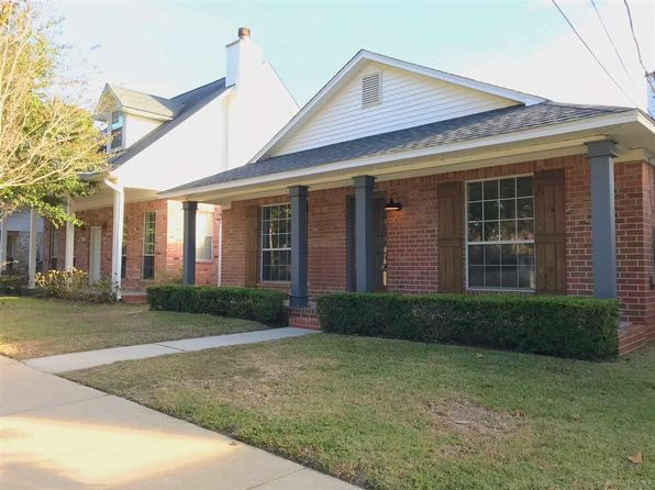 3 bed 2 bath Single Family at 1131 E Blount St Pensacola, FL, 32503 is for sale at 289k - 1 of 28