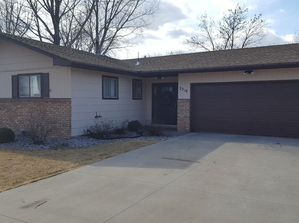 4 bed 2 bath Single Family at 2319 19 1/2 St S Moorhead, MN, 56560 is for sale at 230k - 1 of 17