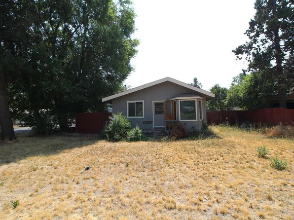 3 bed 1 bath Single Family at 517 SE Woodland Blvd Bend, OR, 97702 is for sale at 225k - 1 of 8