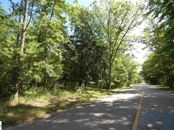 null bed null bath Vacant Land at 00 S Lake St Glen Arbor, MI, 49636 is for sale at 150k - 1 of 12