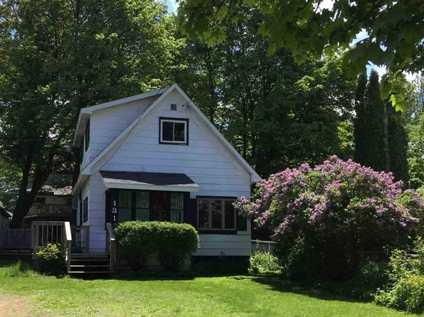 2 bed 1 bath Single Family at 131 W Park St Marquette, MI, 49855 is for sale at 130k - 1 of 33