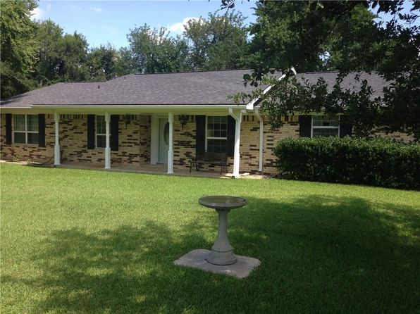 3 bed 3 bath Single Family at 147 Fm 71 Commerce, TX, 75428 is for sale at 275k - 1 of 22