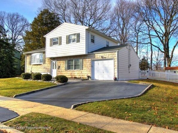 4 bed 2 bath Single Family at 8 Adam Pl Hazlet, NJ, 07730 is for sale at 380k - 1 of 25
