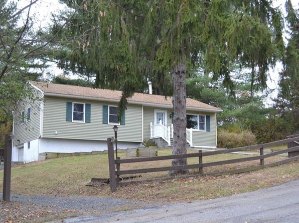 3 bed 1 bath Single Family at 4 Julia Ct Campbell Hall, NY, 10916 is for sale at 240k - 1 of 29