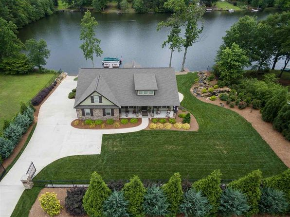 4 bed 3 bath Single Family at 419 Berry Shoals Rd Duncan, SC, 29334 is for sale at 399k - 1 of 25