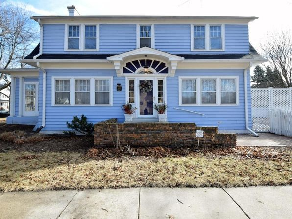 3 bed 2 bath Single Family at 6331 W Wisconsin Ave Wauwatosa, WI, 53213 is for sale at 310k - 1 of 49