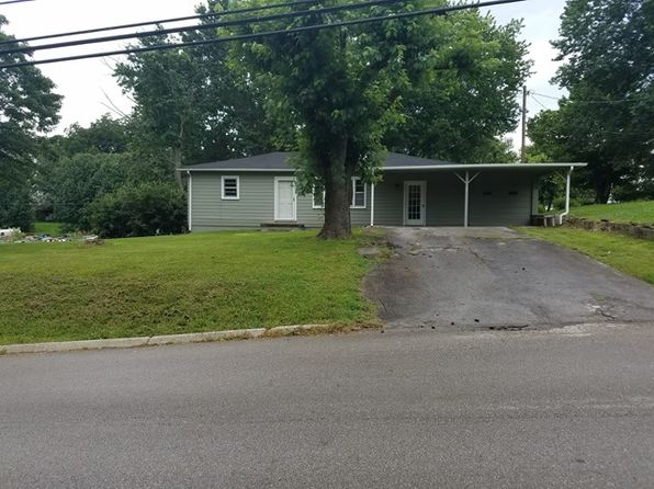 3 bed 1 bath Single Family at 817 Oak St Livingston, TN, 38570 is for sale at 80k - 1 of 9