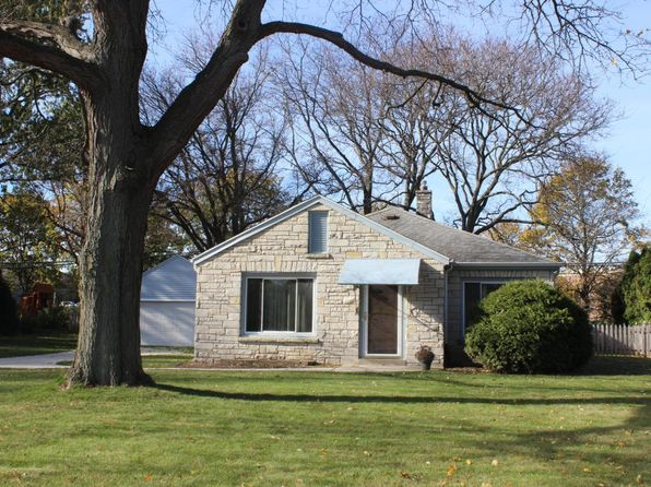2 bed 1 bath Single Family at 2365 N 120th St Wauwatosa, WI, 53226 is for sale at 200k - 1 of 15
