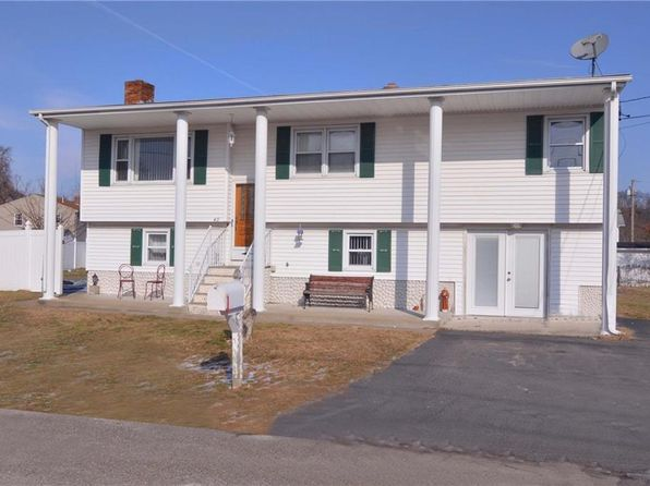 3 bed 2 bath Single Family at 40 Abbott St East Providence, RI, 02914 is for sale at 250k - google static map