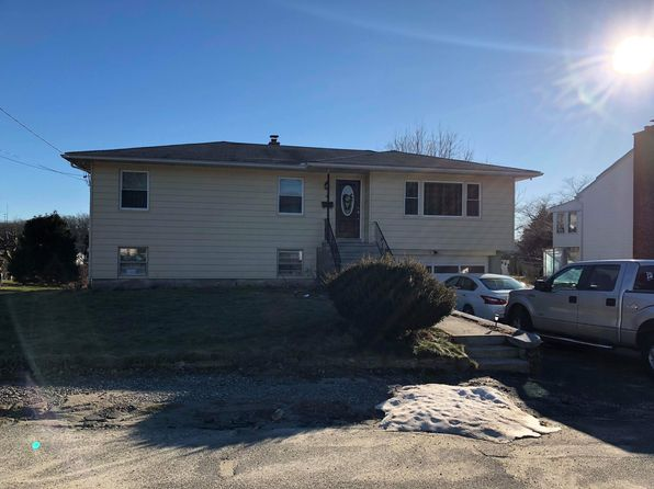 3 bed 1 bath Single Family at 40 STARLET LN WATERBURY, CT, 06704 is for sale at 165k - 1 of 66