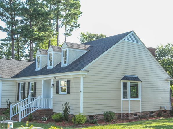 2 bed 2 bath Townhouse at 210 Hawthorne Ln W Wilson, NC, 27893 is for sale at 100k - 1 of 4