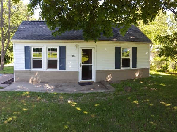 3 bed 1 bath Single Family at 305 Peach St Washington, IL, 61571 is for sale at 70k - 1 of 26
