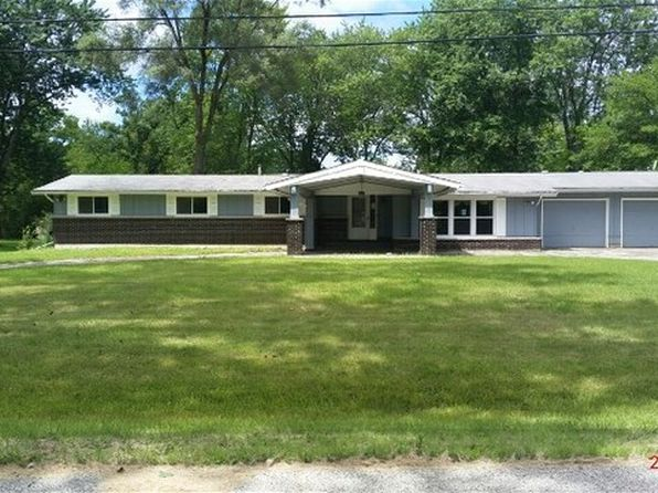 4 bed 3 bath Single Family at 2007 Highwood Rd McHenry, IL, 60051 is for sale at 140k - 1 of 15