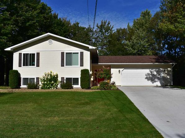 4 bed 3 bath Single Family at 160 Edgewood Dr Marquette, MI, 49855 is for sale at 270k - 1 of 35