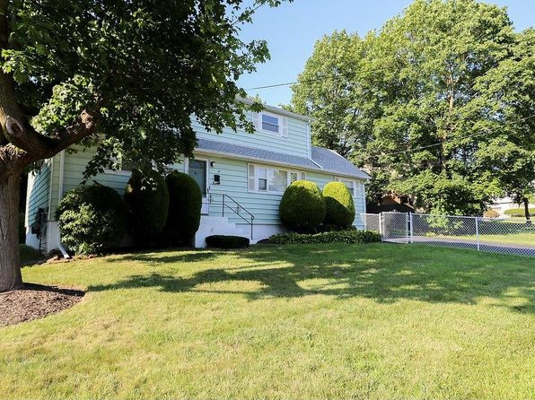 5 bed 2.5 bath Multi Family at 17 Wood St Spring Valley, NY, 10977 is for sale at 440k - 1 of 24