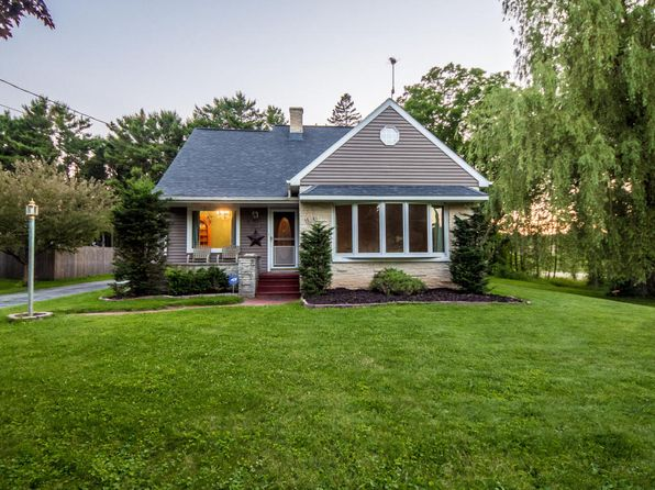 3 bed 2 bath Single Family at 810 Linden St Cleveland, WI, 53015 is for sale at 140k - 1 of 25