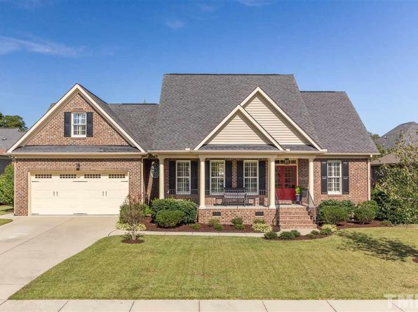 3 bed 2 bath Single Family at 613 Sippihaw Oaks Dr Fuquay Varina, NC, 27526 is for sale at 325k - 1 of 17