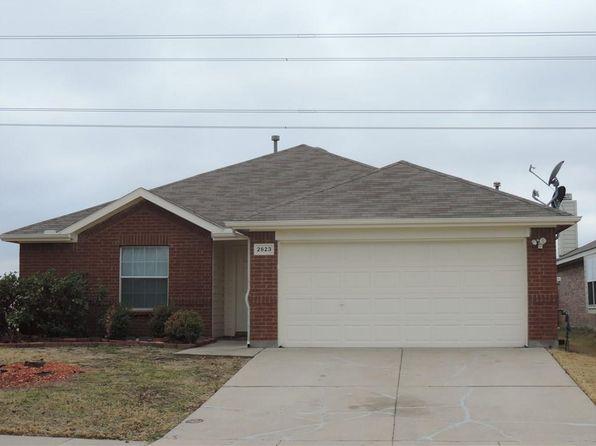 4 bed 2 bath Single Family at 2823 BLUEFIELD LN GRAND PRAIRIE, TX, 75052 is for sale at 215k - 1 of 29
