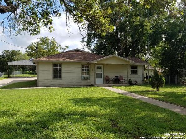 2 bed 2 bath Single Family at 918 6th St Floresville, TX, 78114 is for sale at 135k - 1 of 15