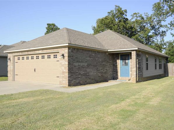 3 bed 2 bath Single Family at 114C Hayes St Brookland, AR, 72417 is for sale at 140k - 1 of 14