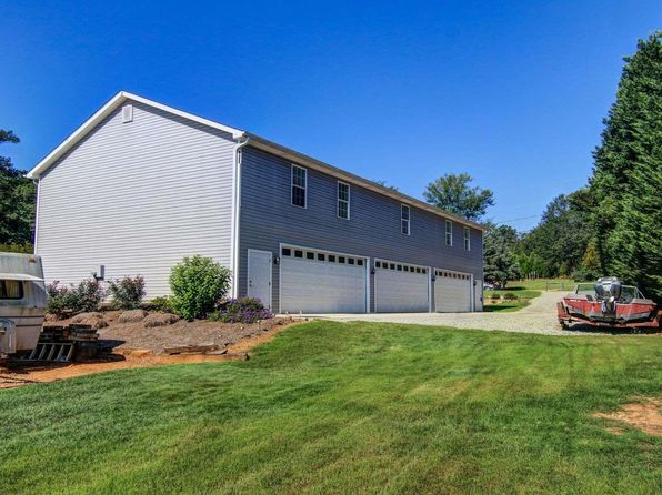 3 bed 1.5 bath Single Family at 187 WILSON RD JACKSON, GA, 30233 is for sale at 335k - 1 of 28