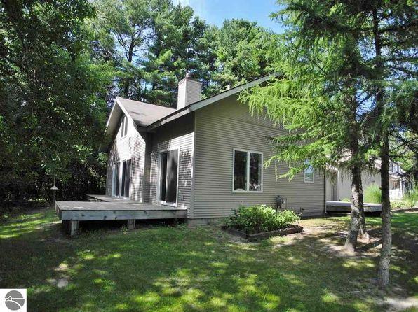 3 bed 2 bath Single Family at 45 N Eagle Hwy Lake Leelanau, MI, 49653 is for sale at 198k - 1 of 23