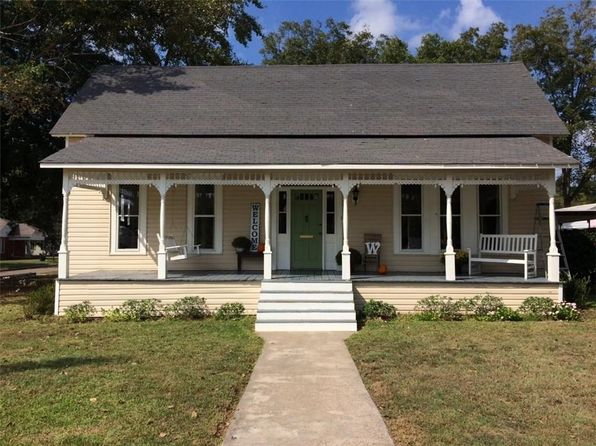 3 bed 2 bath Single Family at 206 S MILL ST WINNSBORO, TX, 75494 is for sale at 119k - 1 of 25