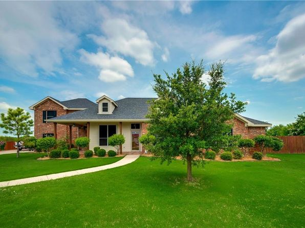3 bed 3 bath Single Family at 2430 Skye Ln Royse City, TX, 75189 is for sale at 325k - 1 of 20