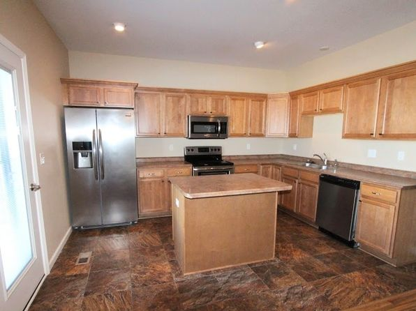 3 bed 2.5 bath Townhouse at 2951 8th St NW Minot, ND, 58703 is for sale at 195k - 1 of 15