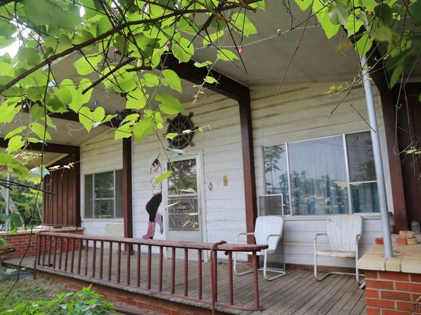 2 bed 1 bath Single Family at 108 E Sh Kilgore, TX, 75662 is for sale at 83k - 1 of 19