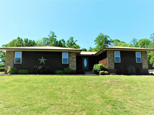3 bed 2 bath Single Family at 2045 Snodgrass Rd New Tazewell, TN, 37825 is for sale at 299k - 1 of 40