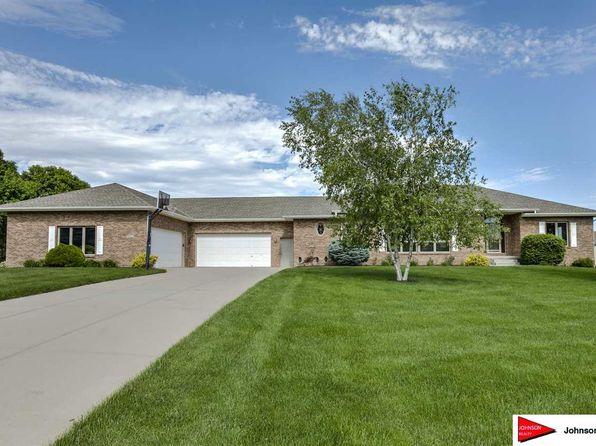 4 bed 4 bath Single Family at 9923 S 162nd St Omaha, NE, 68136 is for sale at 490k - 1 of 36