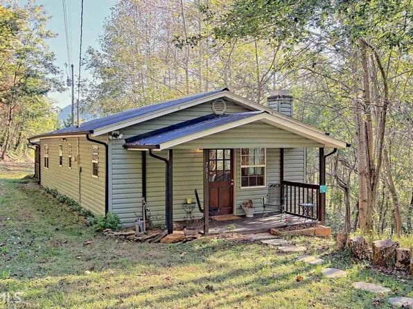 2 bed 2 bath Single Family at 701 Mountain View Dr Hiawassee, GA, 30546 is for sale at 129k - 1 of 24