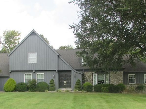 3 bed 3 bath Single Family at 707 Country Club Est Glasgow, KY, 42141 is for sale at 349k - 1 of 19
