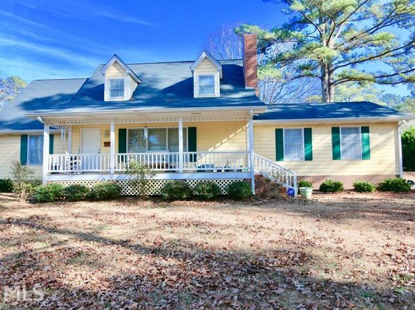 3 bed 2 bath Single Family at 108 HIDDEN VALLEY RD FAYETTEVILLE, GA, 30214 is for sale at 257k - 1 of 36